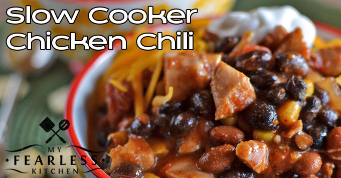 slow-cooker-chicken-chili-featured